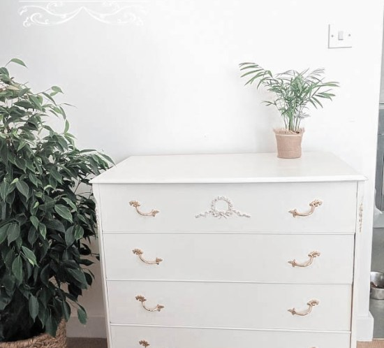 Upcycle | From Shabby to Chic - Chest of Drawers