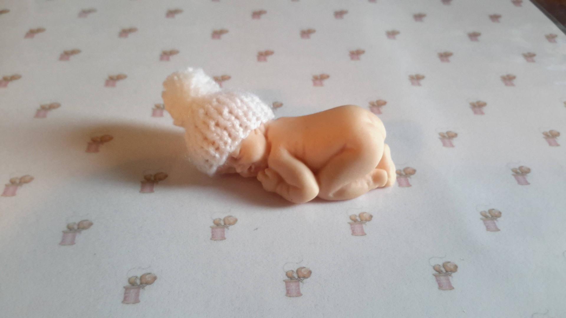 Bonnet miniature blanc