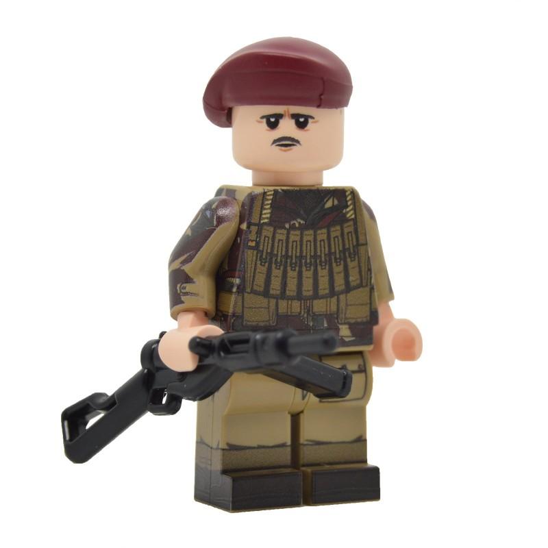 United Bricks W2 British Airborne Paratrooper LEGO Minifigure Military