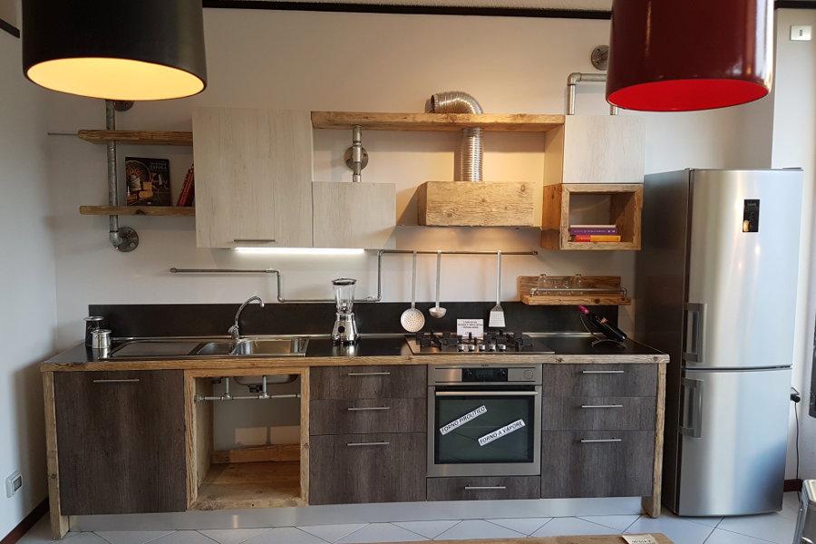 Verniciare Mobili Cucina Fai Da Te - Idee per la progettazione di ...