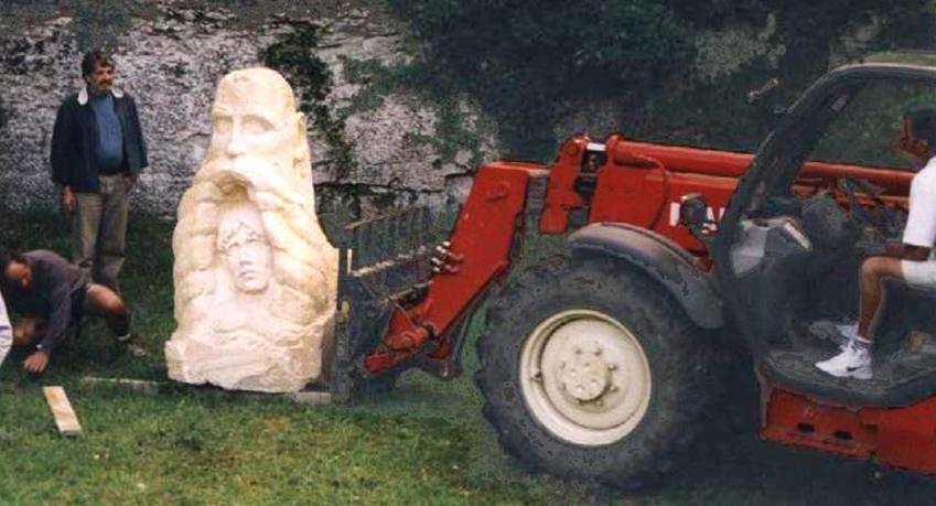 statue d'Alain en 2001
