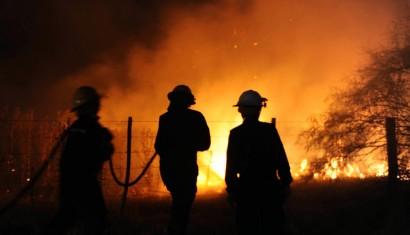 Nuevos incendios dejan en jaque a productores bonaerenses
