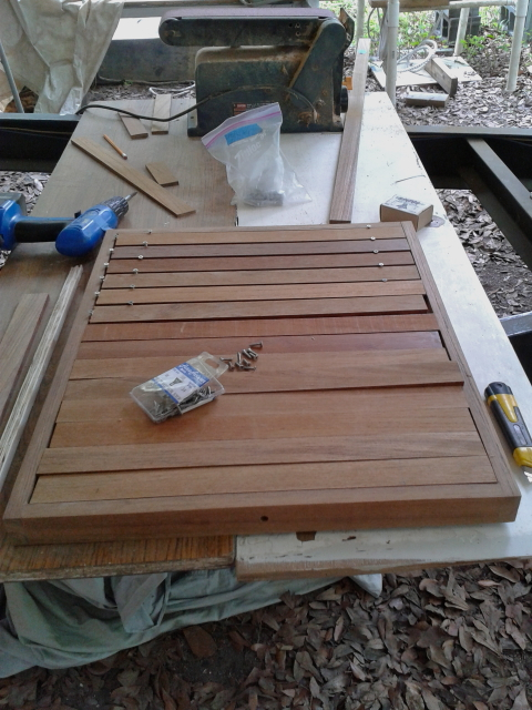 How to set teak strips in place at the same distance
