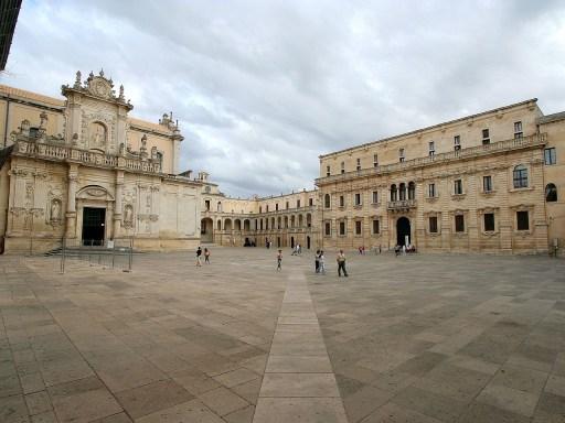 Piazza Duomo a Lecce [CC-BY-SA-3.0 o GFDL]