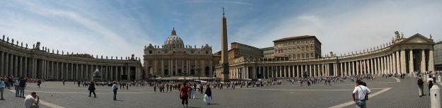 1280px-Vatican_StPeter_Square