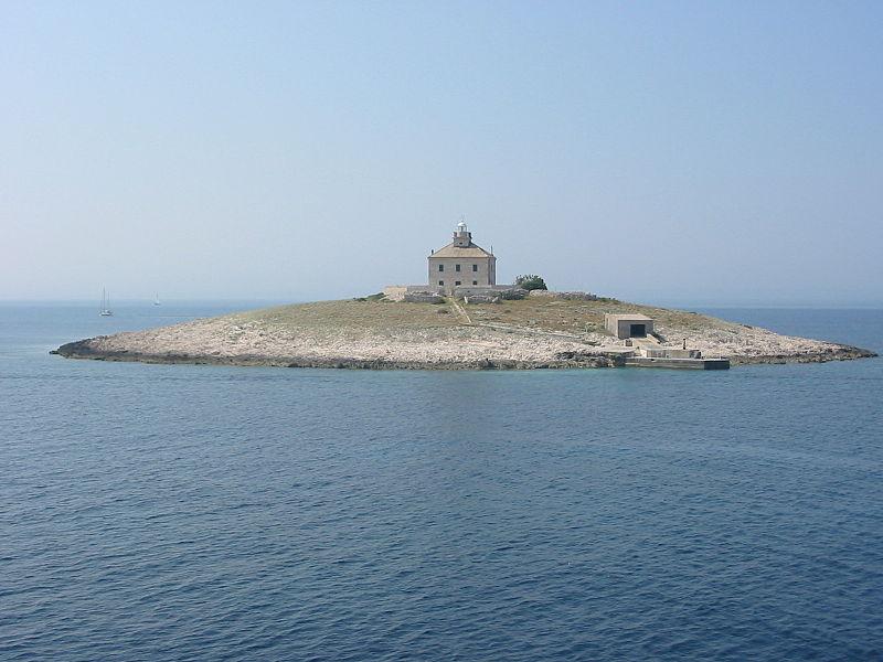 1 - L' isola di Pokonji Dol vista dal traghetto fra Korčulą e Hvarem