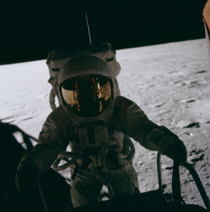 Pete_Conrad_on_LM_ladder,_Apollo_12