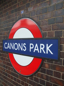 Canons_Park_stn_roundel