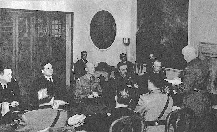 Armistizio di Villa Incisa: Badoglio legge le condizioni alla delegazione francese.
