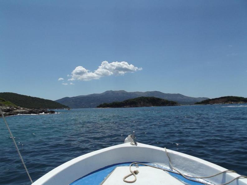 In barca vicino a Ksamil