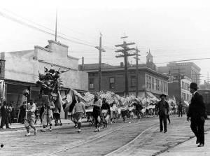 Danza del Drago ad una parata sulla Fifth Avenue a Seattle, 1909