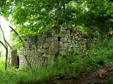 Aldea perdida en Piloña, la Cueva
