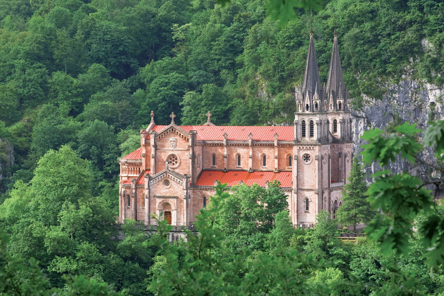 La Basílica de Covadonga, Asturias