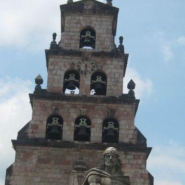 Cangas de Onís, Puerta de entrada a Picos