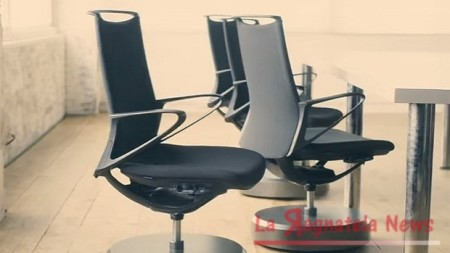 Nissan_Intelligent_Parking_Chair