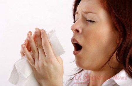 Aiuto, soffocare uno starnuto può fare molto male. Lo dice uno studio