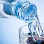 Acqua in bottiglia: un business da 10 miliardi di euro in It