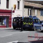 Francia |  nuovo attacco terroristico a Trèbes  L'attentatore si trova all'interno di un
