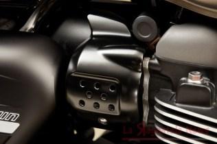 Street_Twin_Black_Throttle_Body_Cover.5d3489f0