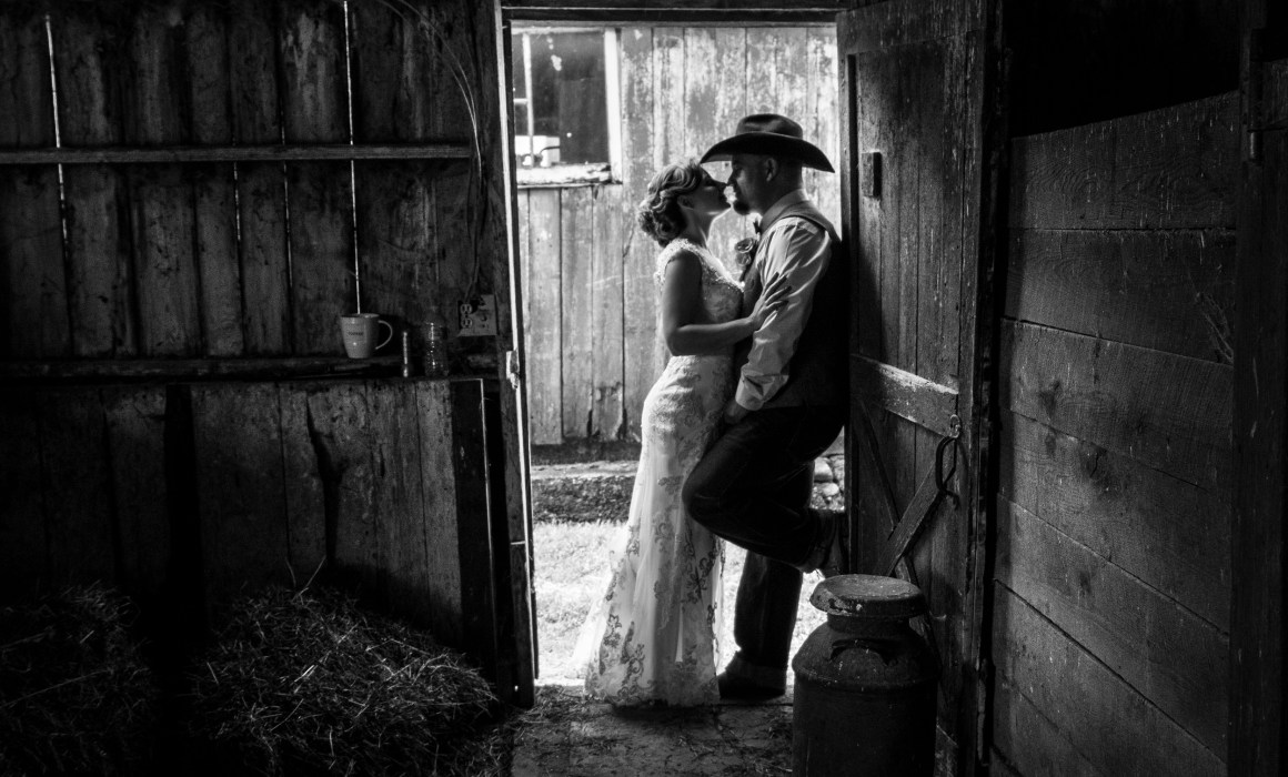 Black and white barn wedding photo at Bunnell Farm in Litchfield