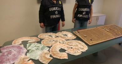 Napoli. Sorpresi con 70mila euro in banconote false: blitz Fiamme Gialle