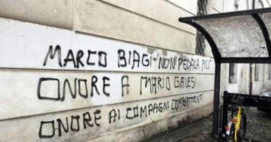 Modena. Scritte contro Marco Biagi nell'anniversario omicidio
