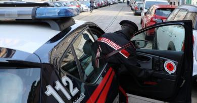"""Milano. Telefona alla prof che ha bocciato il figlio: """"Ti ammazzo"""""""