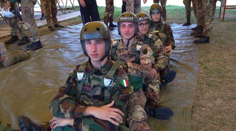 Maddaloni. 8 studenti del Villaggio dei Ragazzi diventano paracadutisti