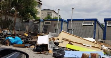 (VIDEO/FOTO) Aversa. Segnalazione Cittadino: incendio isola ecologica via Perugia