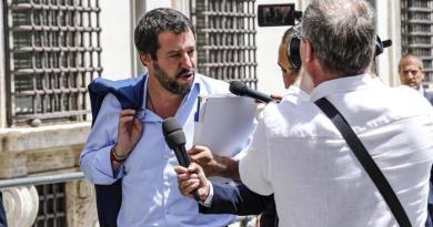 (VIDEO) Salvini nella casa sequestrata dei Casamonica
