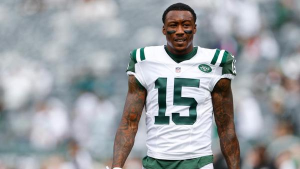 Jets WR #15 Brandon Marshall (photo source: http://www.si.com/nfl/2015/09/27/new-york-jets-brandon-marshall-fumble-video)