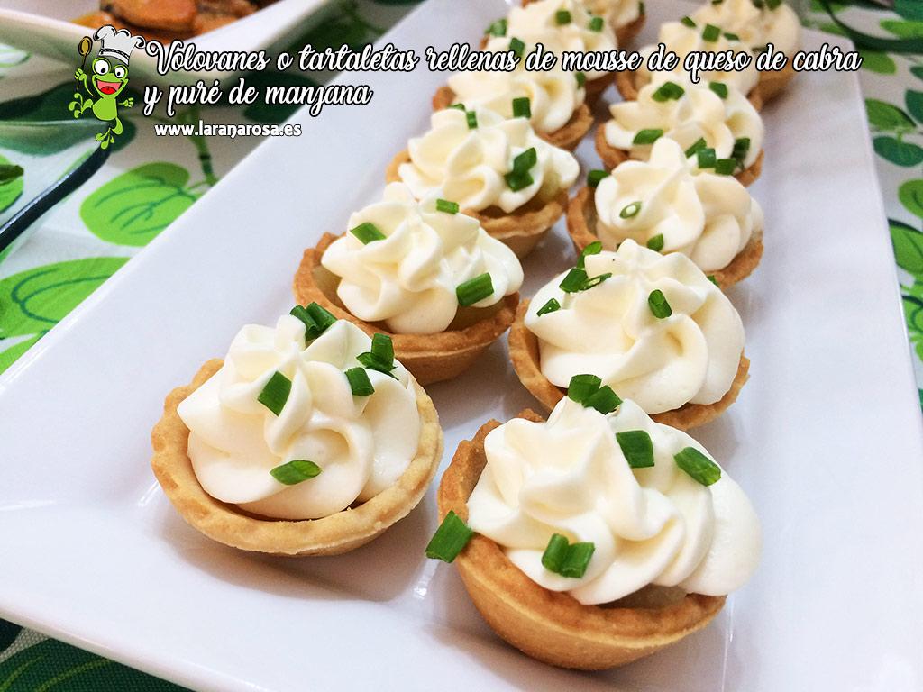 Volovanes o tartaletas rellenas de mousse de queso de cabra y puré de manzana