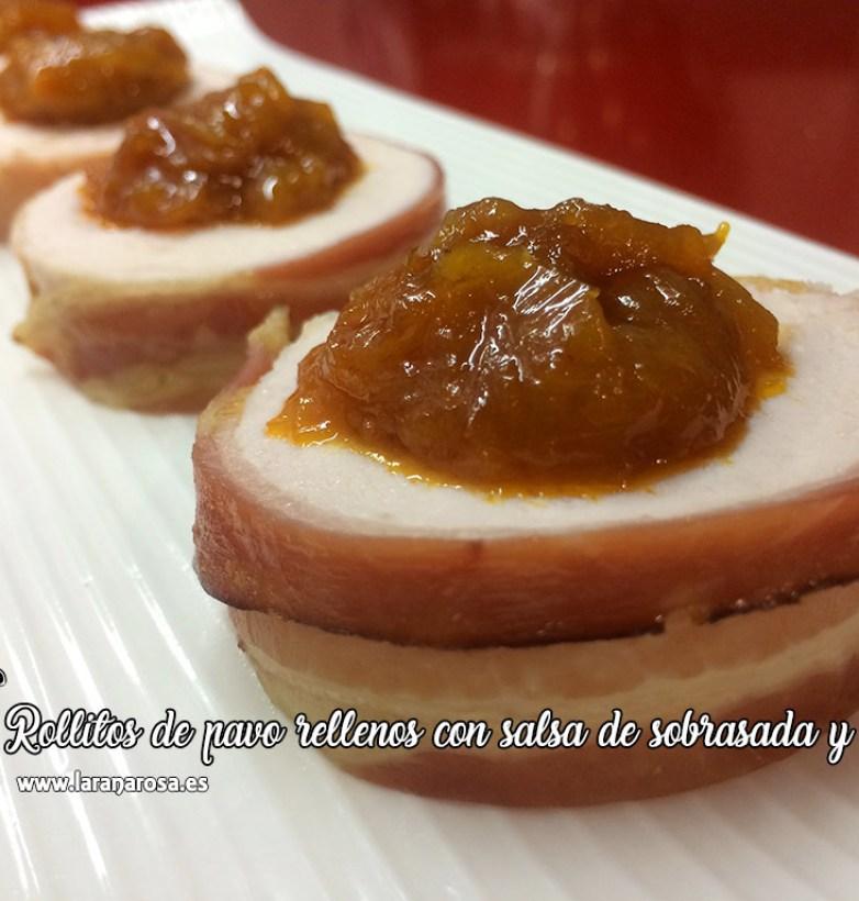 Rollitos de pavo rellenos con salsa de sobrasada y miel