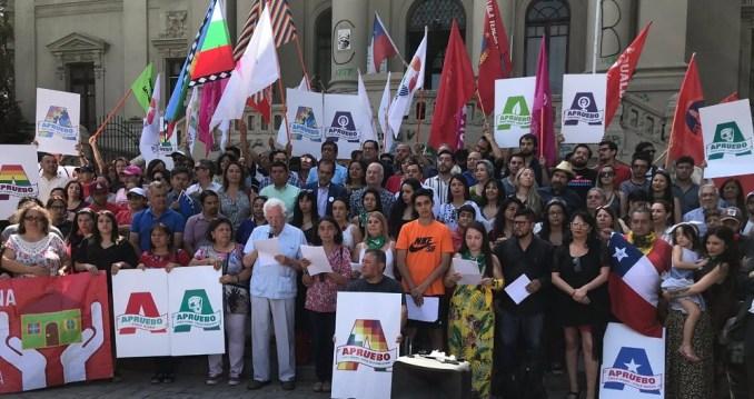 """Partidos, dirigentes sociales, personalidades lanzan comando """"Apruebo Chile Digno"""""""