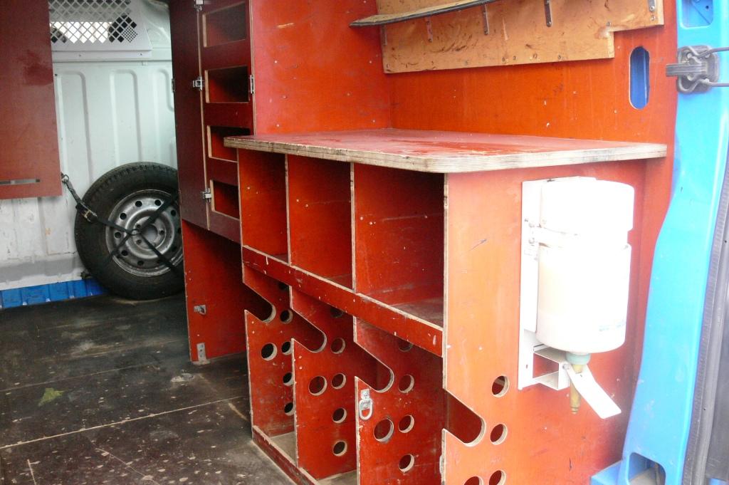 Rangements et équipements de véhicule professionnel