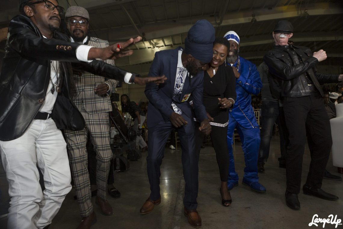 Beenie Man, Sizzla, Capleton and Yellowman do the Electric Slide