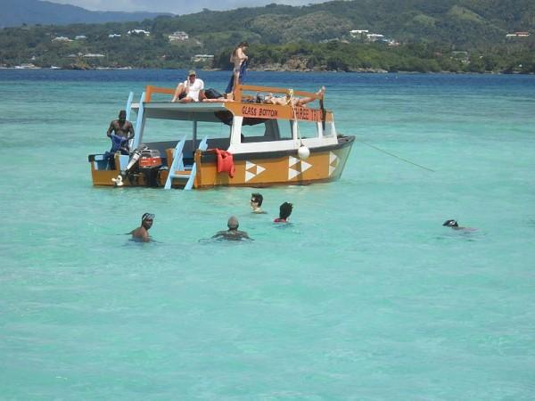 Nylon-Pool-Tobago