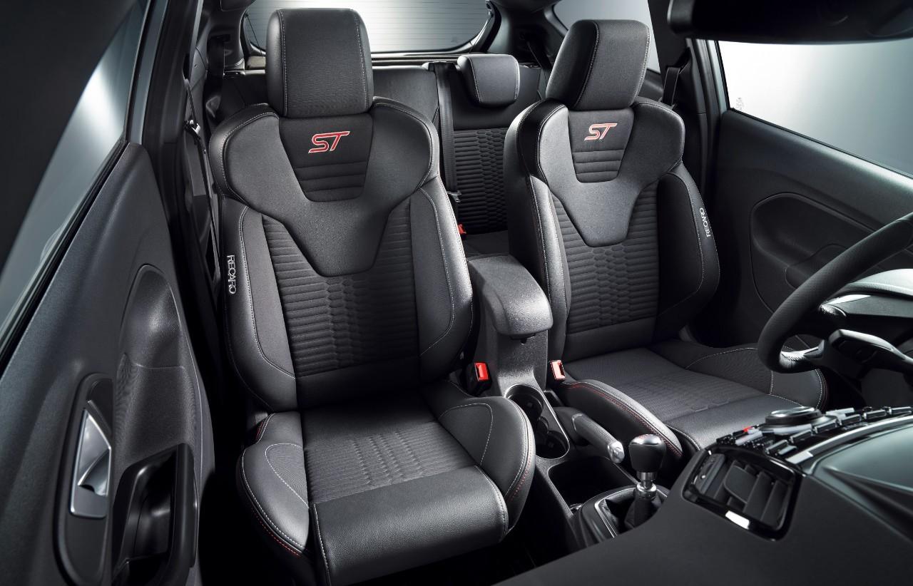 Ford Fiesta ST200 sièges