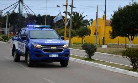Bruzone recibió nuevo móvil policial y suma vehículo utilitario para la Comuna