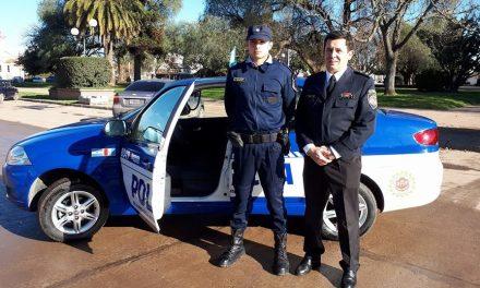 Entrega de dos móviles policiales en General Deheza y Cabrera