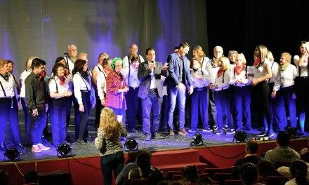Adultos mayores presentaron una obra de teatro para niños