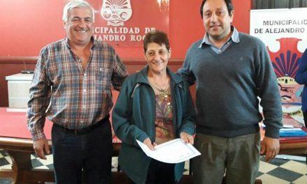 Entrega programa Vida Digna en Alejandro Roca