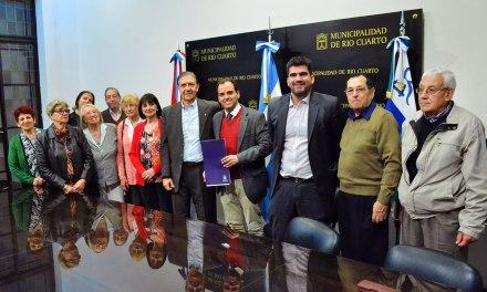 El Gobierno de Rio Cuarto cedió un terreno al Centro de Jubilados Municipales