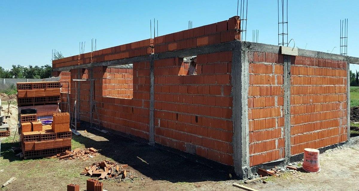 Se está ejecutando la obra del nuevo Jardín Maternal en la Vecinal Las Quintas