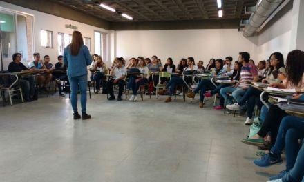 Encuentro interinstitucional con docentes y estudiantes del nivel medio