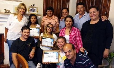 Llamosas reconoció a las nadadoras Murua, Roccia y Centeno