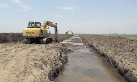 Serrano: ejecutan obras hídricas en la Laguna del Siete
