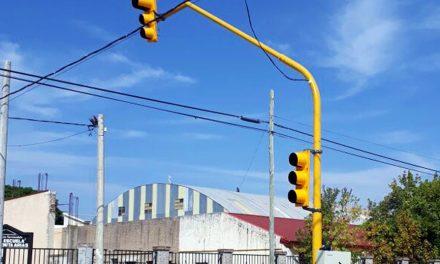 Comenzó el recambio de luminarias en el IPV de barrio Alberdi