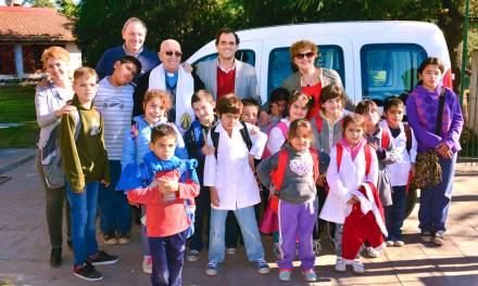 Llamosas entregó un vehículo para la Cuidad de los Niños