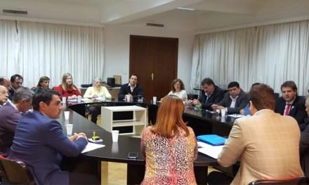 Arias firmó convenios con el Gobierno Nacional